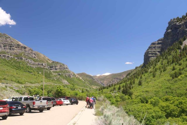 Bridal_Veil_Falls_Provo_063_05282017 - The parking area for the scenic lookout of the Bridal Veil Falls in Provo Canyon