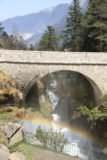 Bridge_of_Spain_101_20120512 - looking back through an arched bridge with rainbow in the mist
