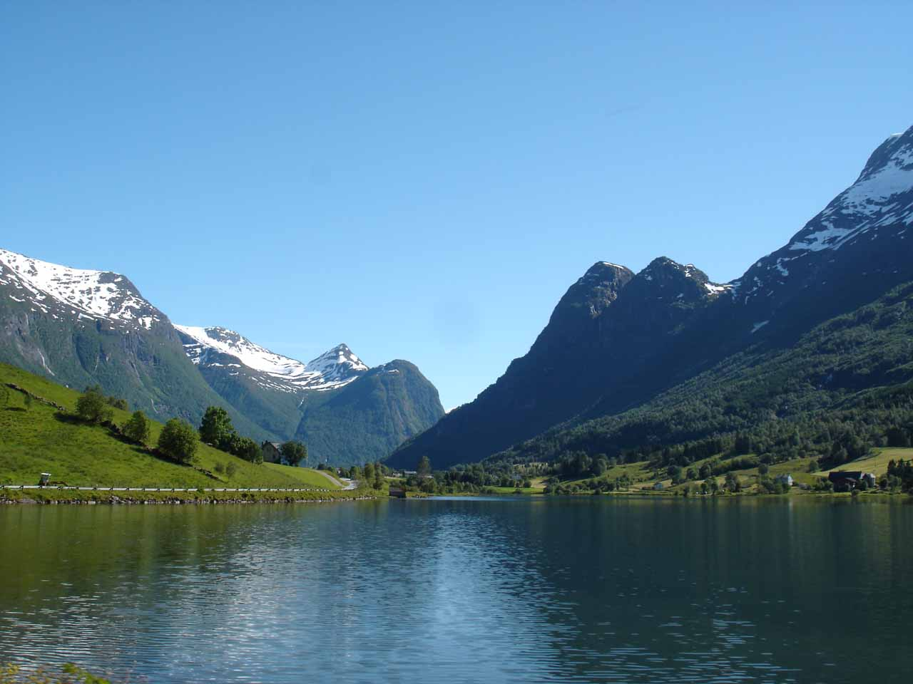 The next valley to the east of Myklebustdalen was Oldendalen, which was on the way to the beautiful Briksdalbreen Glacier, but the valley yielded beautiful scenes like this
