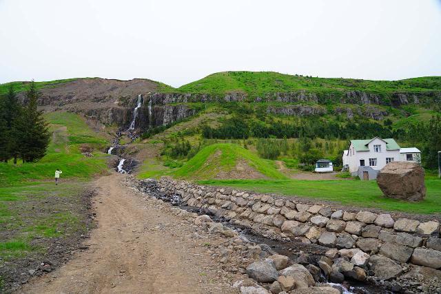 Budararfoss_017_08112021 - Looking upstream along the Buðará (flanked by flood-control channels and the odd giant boulder) towards the Buðarárfoss