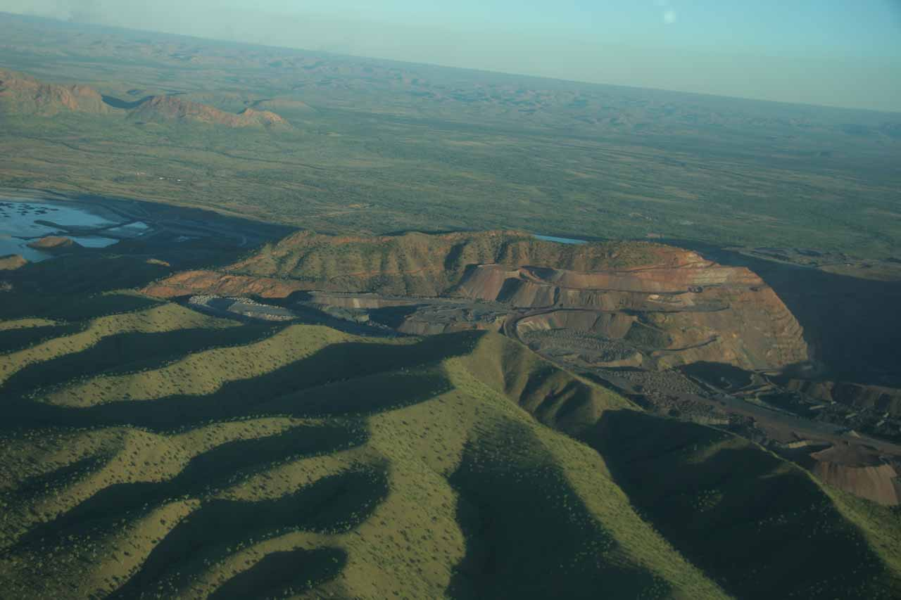 Contextual view of the big mining scar