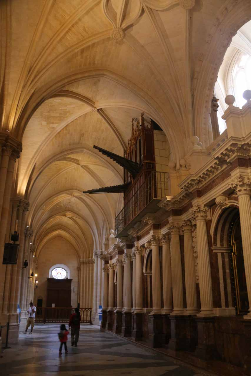 Julie and Tahia checking out the interior of the Burgos Cathedral