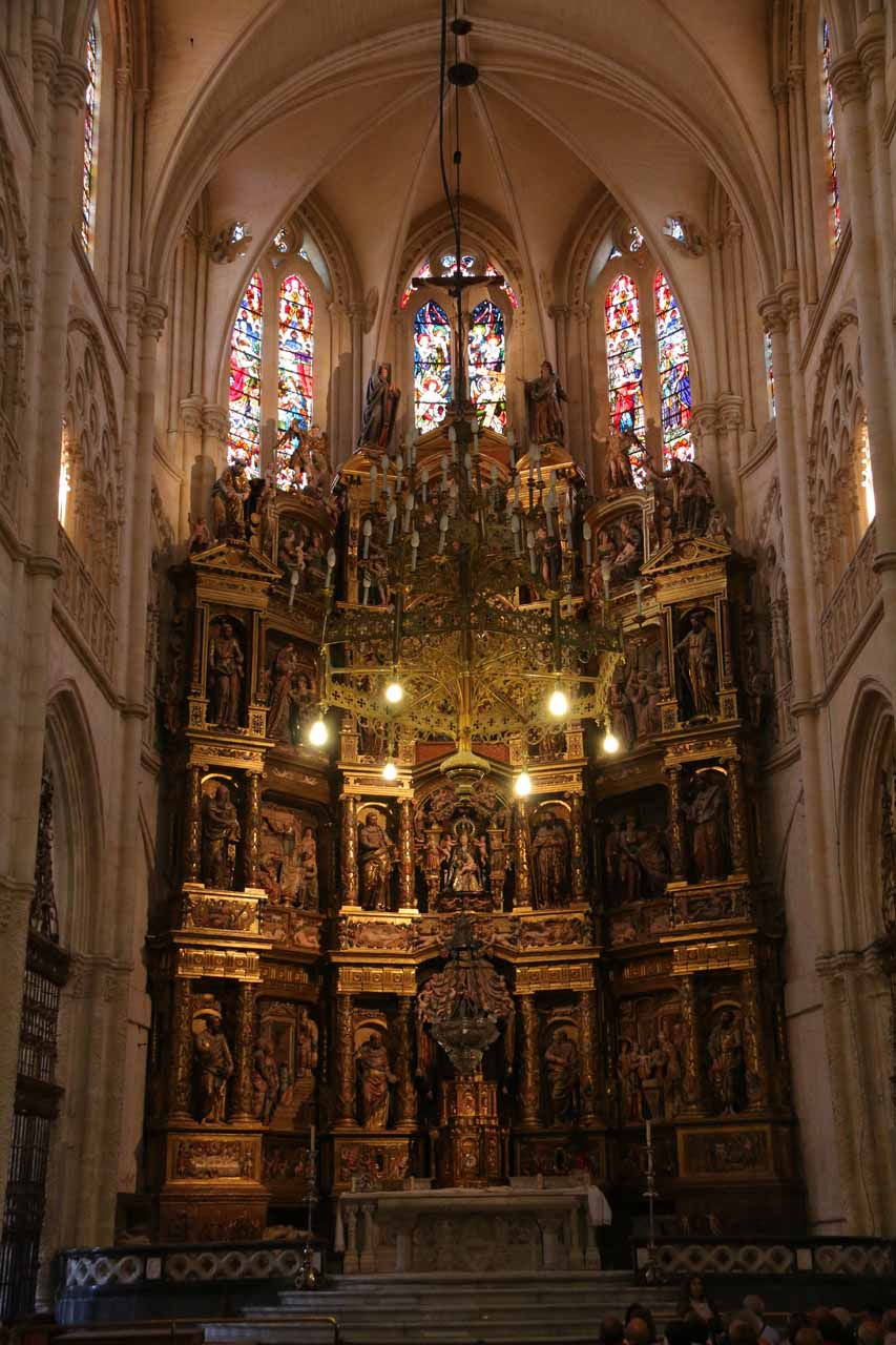 Direct look at the main altar of the Burgos Cathedral
