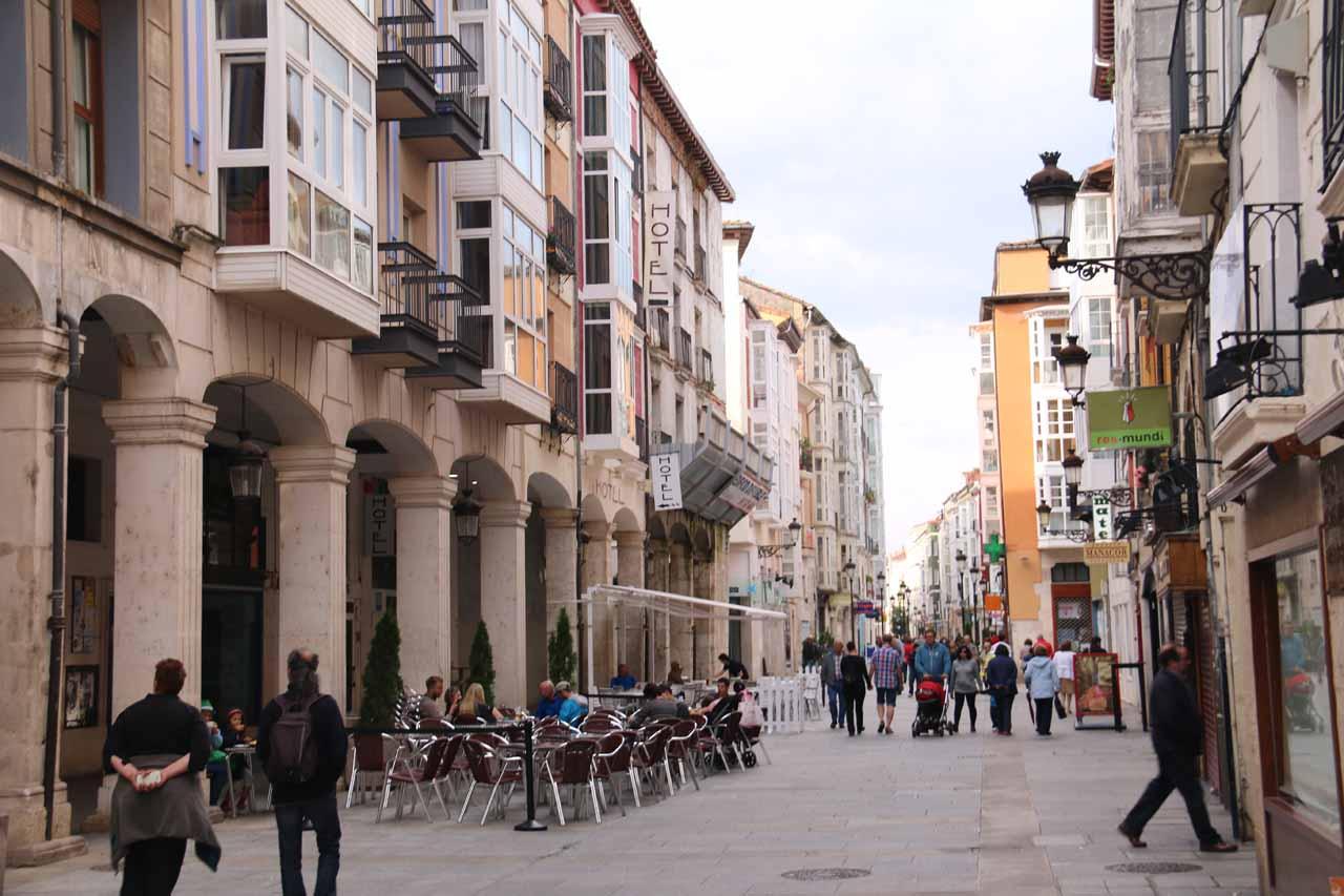 Walking along the Calle de la Virgen de la Paloma during our own evening paseo