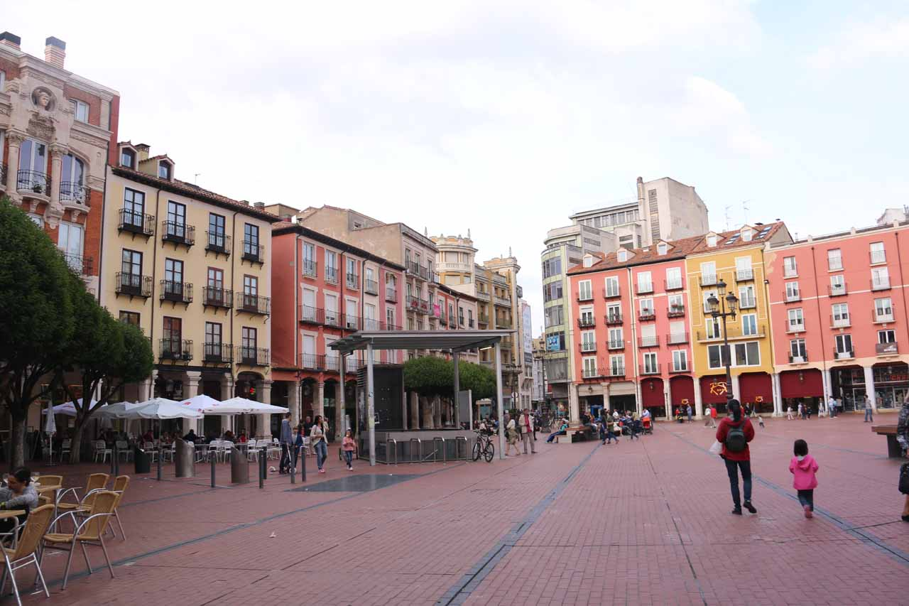 Checking out Burgos' version of the Plaza Mayor, which was looking surprisingly nice
