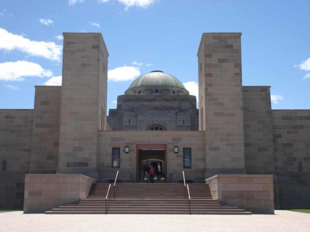 Canberra_017_jx_11082006 - This was the front facade of the ANZAC war memorial near the ACT Parliament in Canberra, which was Australia's capital.