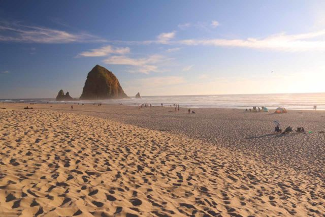 Cannon_Beach_17_057_08172017 - About an hour drive north of Tillamook was the attractive Cannon Beach, which featured the Haystack Rock backing this gorgeous sandy beach