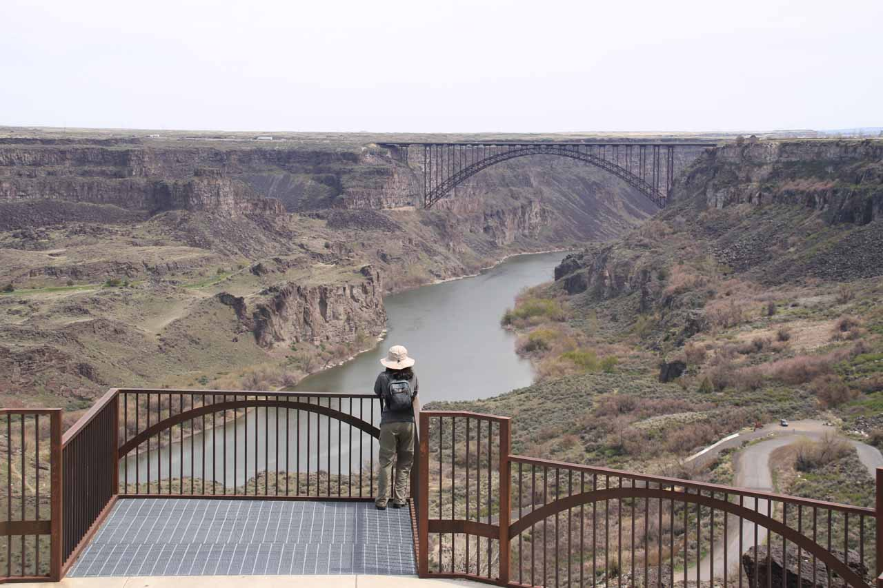 Julie checking out the Snake River Canyon from that first overlook along the Canyon Crest walkway