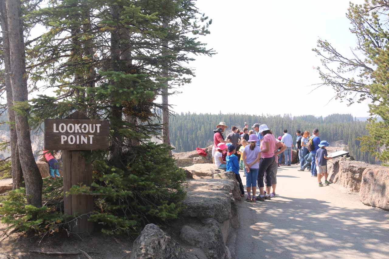 Approaching the crowded Lookout Point