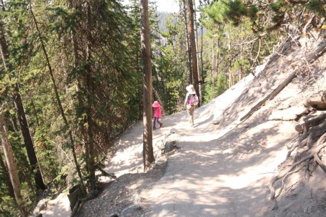 Canyon_North_Rim_103_08102017 - Tahia and Julie descending the switchbacks leading to the Red Rock Point Lookout
