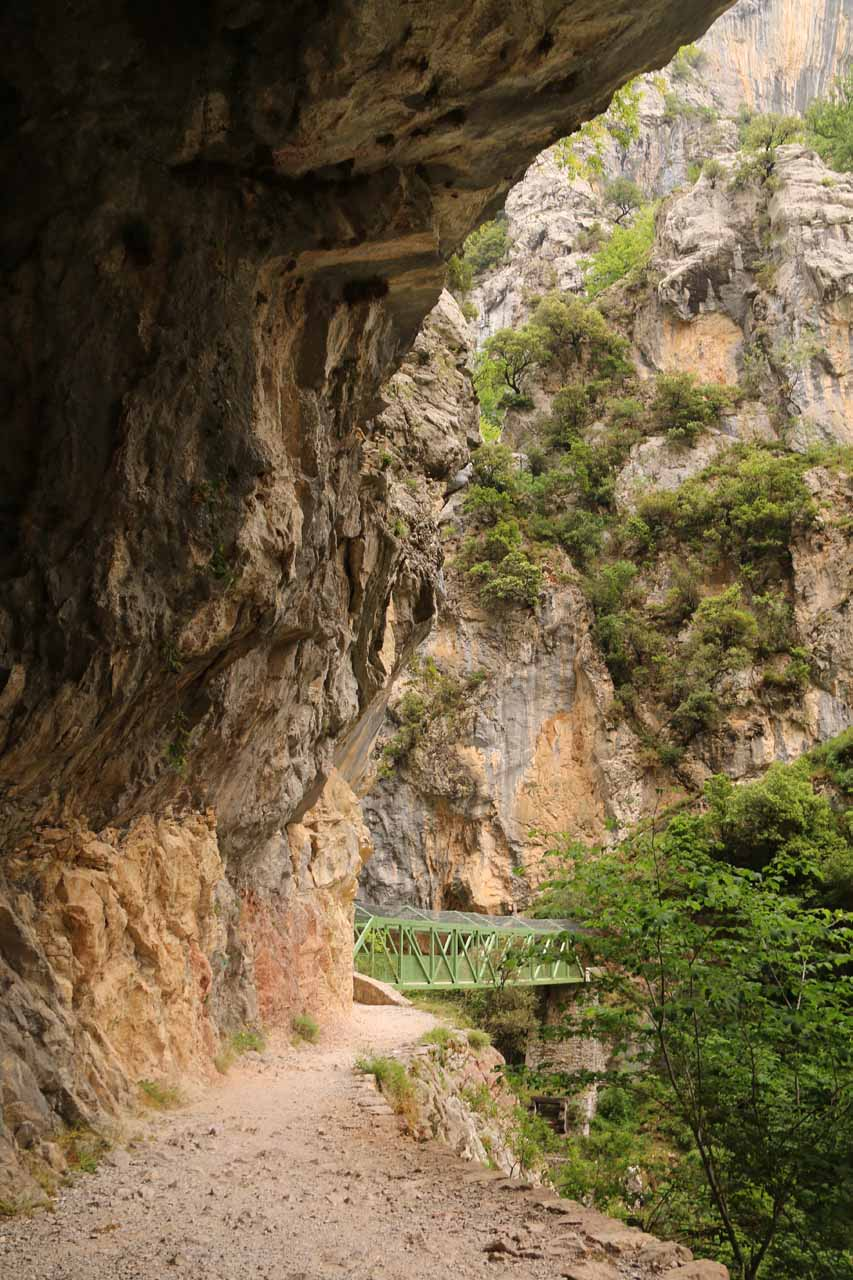 Looking back at the attractive La Puente de los Rebecos in the Cares Gorge