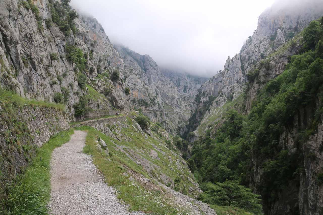 Context of the Ruta de Cares hugging the cliffs of the Garganta del Cares