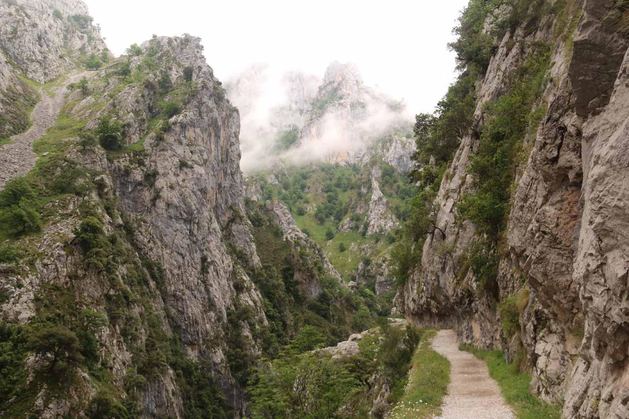 Quickly walking along the rugged Ruta de Cares on the way back to Cain de Valdeon