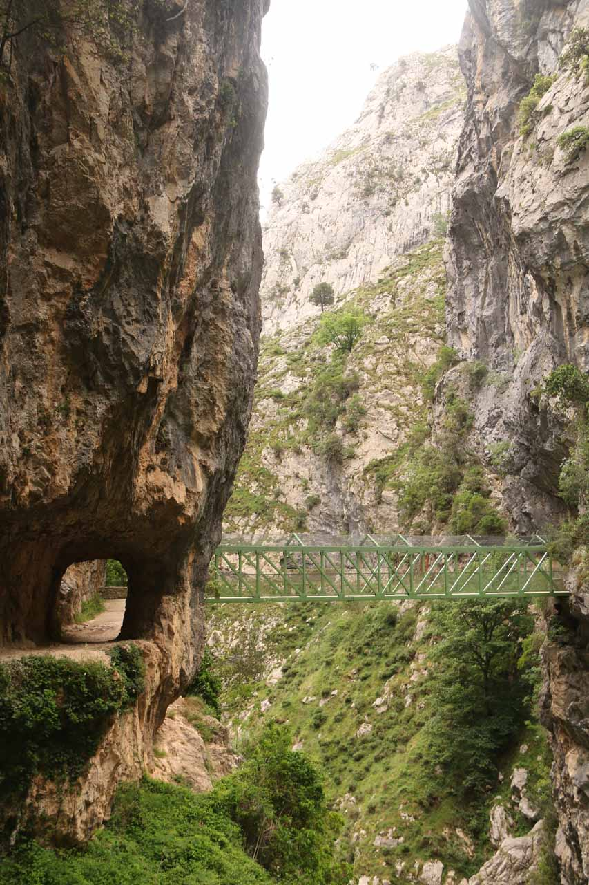 Back at the Puente de los Rebecos near Puente Bolin