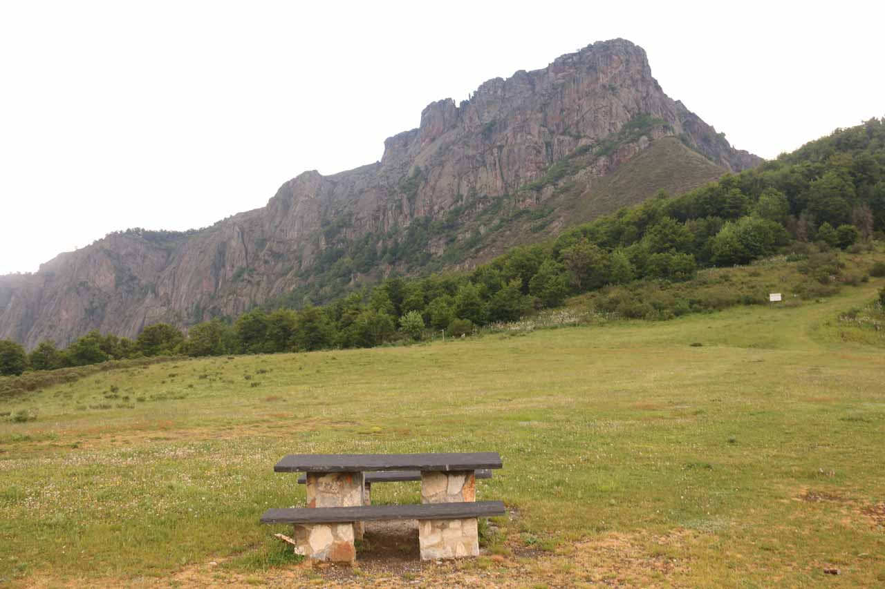A scenic but wet picnic spot next to the road by some pass on the way out of Posada de Valdeon