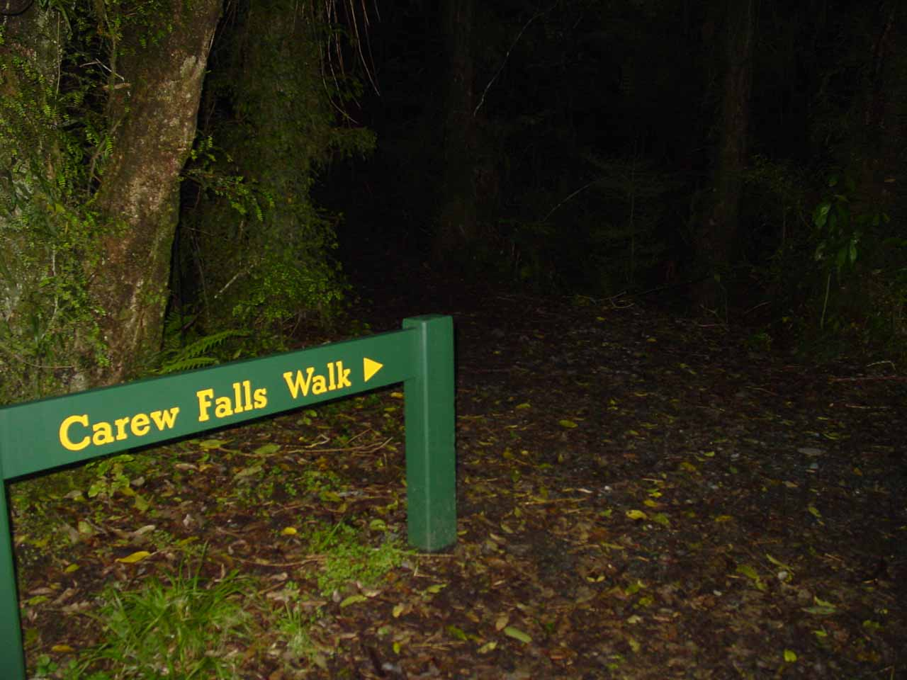 Signpost at the start of the Carew Falls Walk