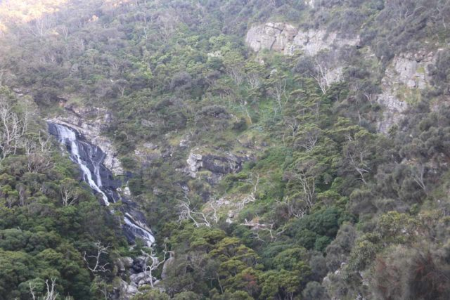 Carisbrook_Falls_17_026_11182017 - Carisbrook Falls and cliff context