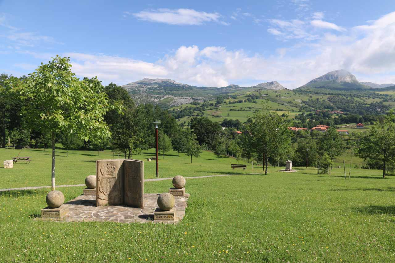 We noticed this little monument along with some benches in the distance as we strolled on the path leading to the Mirador del Gándara