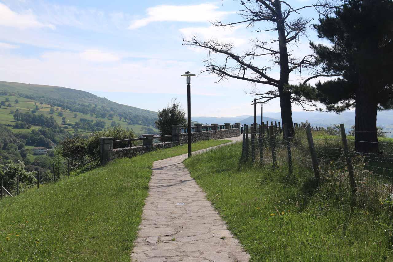 The walkway leading to the Mirador del Gándara