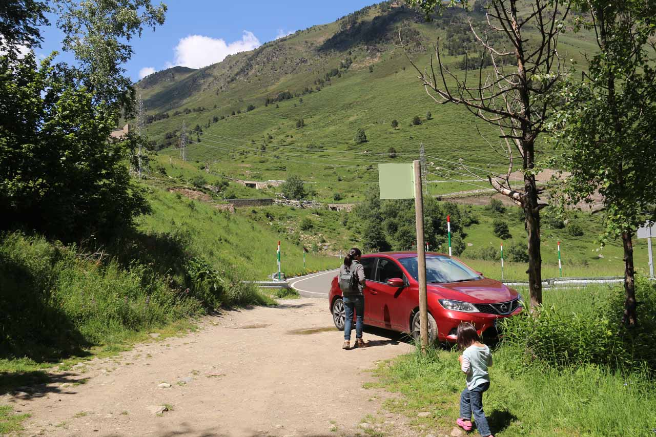 Julie and Tahia back at the car and tight parking space after our short little excursion to Cascada de Gerber