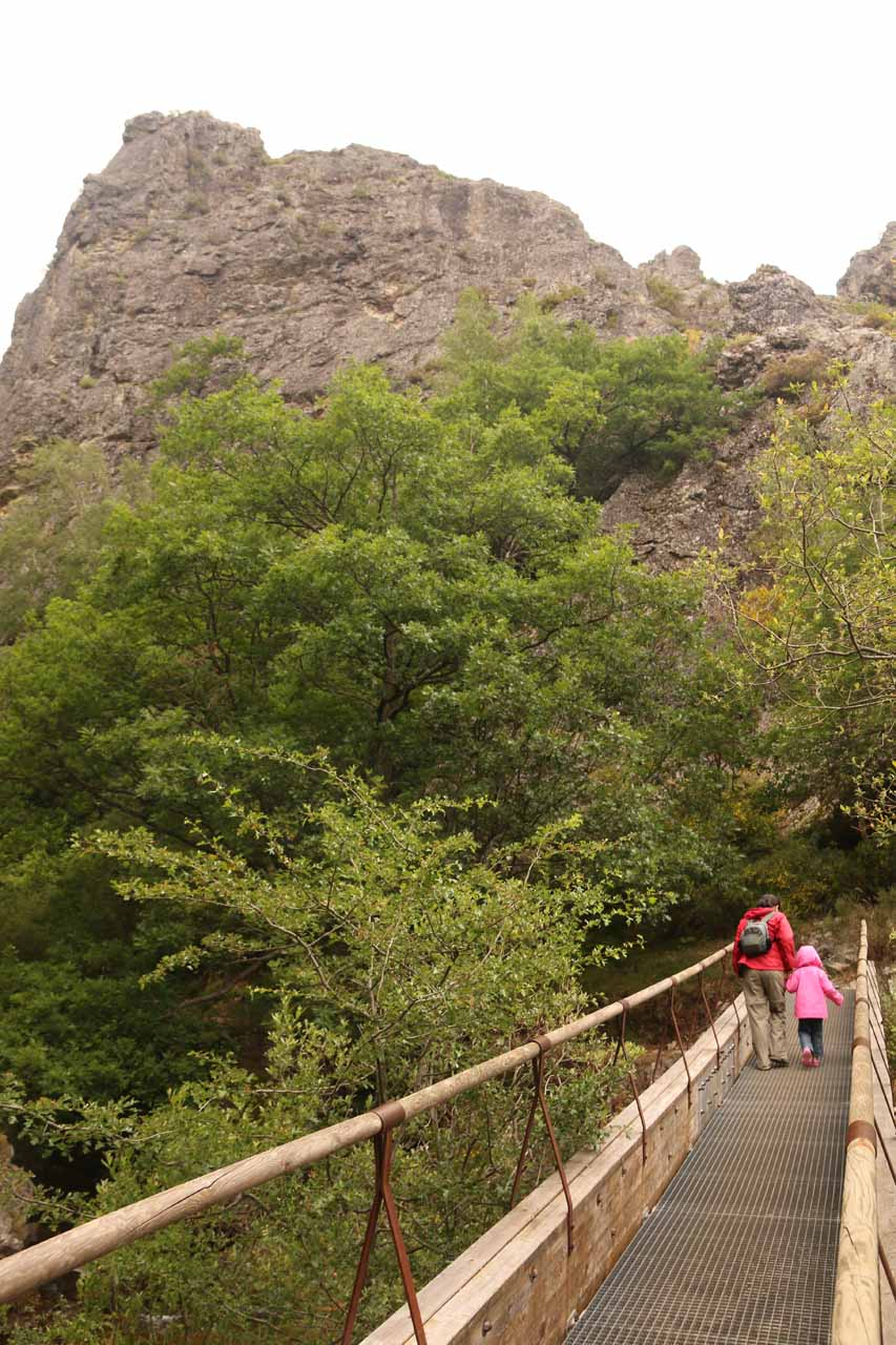 Julie and Tahia crossing over the first bridge on the way to the base of Cascada de Nocedo