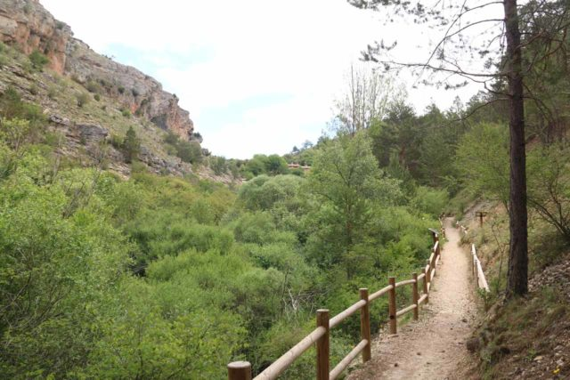 Cascada_del_Molino_019_06042015 - The trail leading further upstream along the Río Júcar towards the Cascada del Molino de la Chorrera
