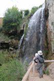 Cascada_del_Molino_082_06042015 - Context of Julie and Tahia checking out the Cascada del Molino