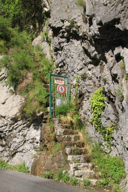 Cascade_de_Courmes_007_20120516 - The path that allowed you to walk up to and possibly behind the Cascade de Courmes was closed