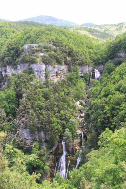 Cascata_del_Rio_Verde_044_20130521 - Looking towards some of the hidden upper tiers of the Cascata del Rio Verde