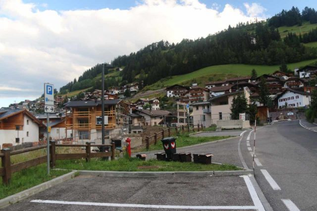 Cascata_di_Tervela_001_07162018 - Looking back in the other direction at one of the few parkin spaces along the Strada Pana near the Monte Pana Cable Car Station in Santa Cristina di Val Gardena