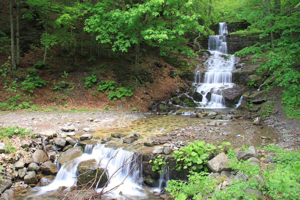Another small cascade that the trail passed by