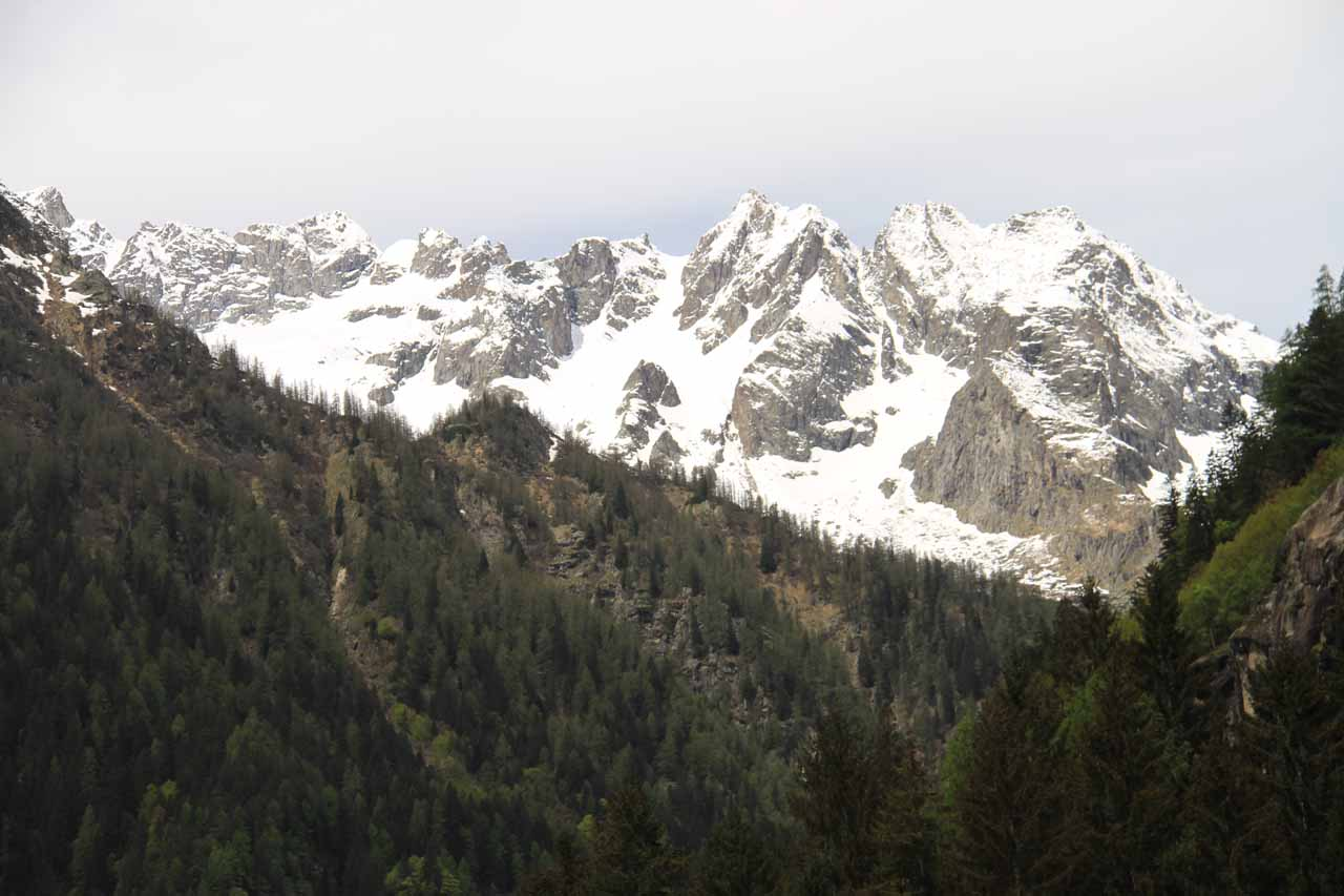 Beautiful snowy mountains showing themselves further up the Val di Genova