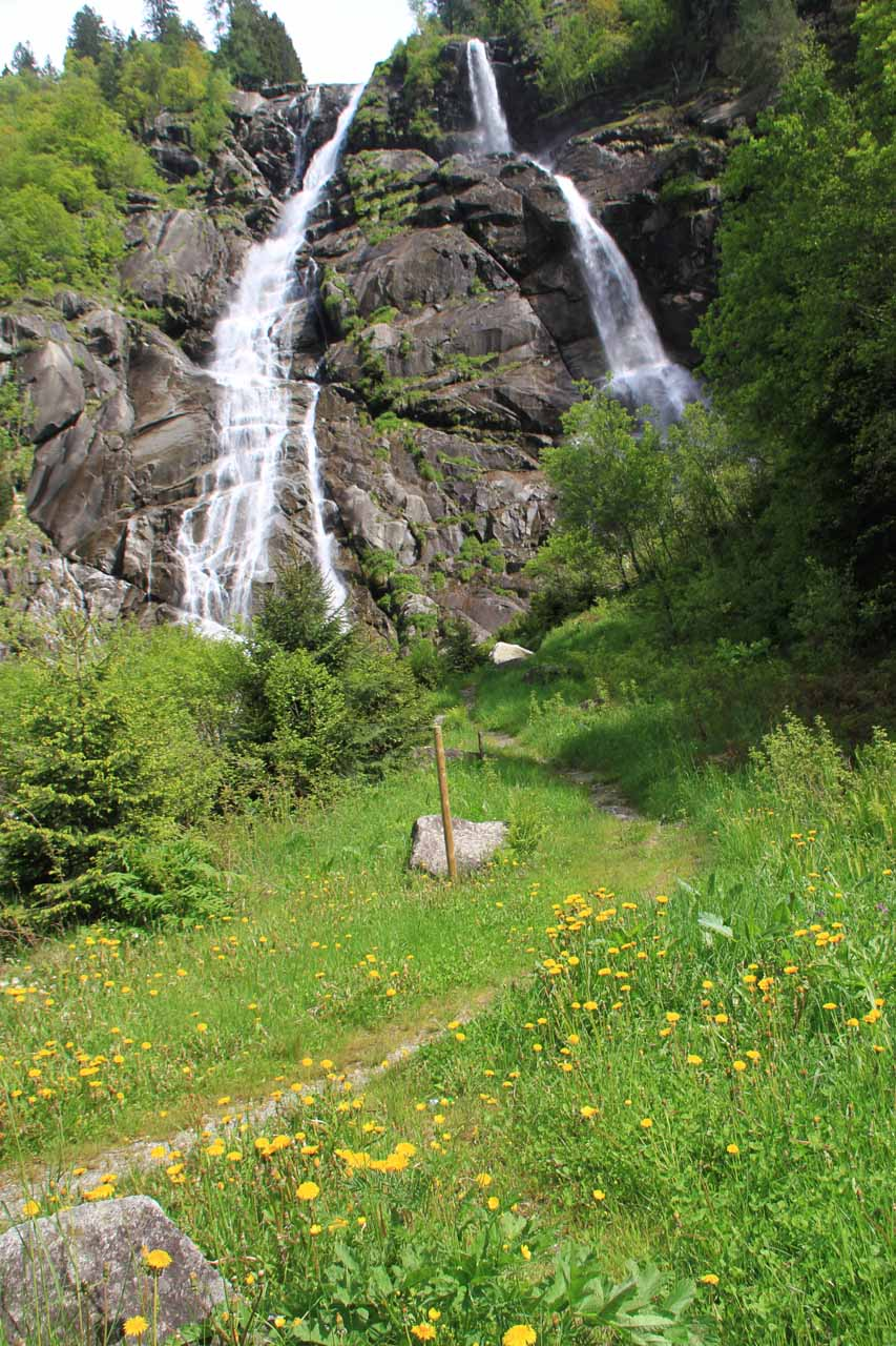 In this photo, you can see there's a trail that led closer to the base of the Cascate di Nardis, but it is now closed