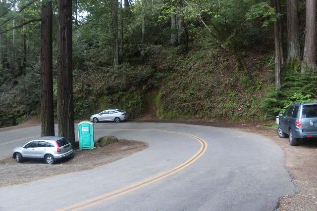 Cataract_Falls_001_04212019 - Contextual look from the top of the hairpin turn at the parking situation for the Cataract Creek Trailhead