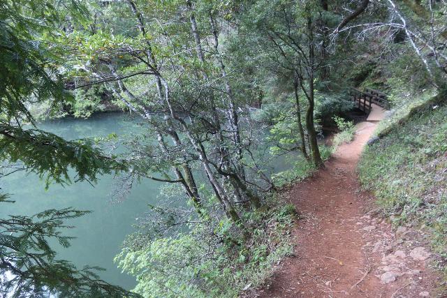 Cataract_Falls_015_04212019 - The Cataract Creek Trail skirting alongside the headwaters of the man-made Alpine Lake