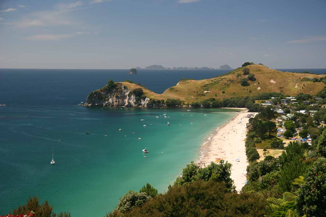Roughly 3 hours drive to the east of Auckland (maybe a little closer from Hunua Falls) was the Coromandel Peninsula, where we saw the beautiful white beaches and cliffs of Cathedral Cove