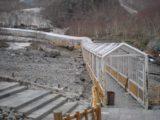 Changbaishan_011_jx_05142009 - The sheltered walkway to the Changbai Waterfall