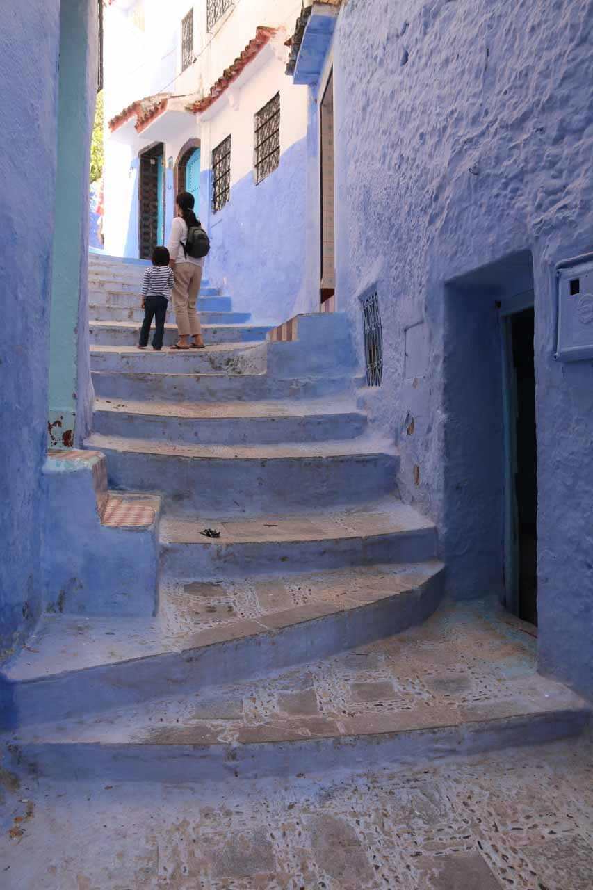 Julie and Tahia exploring Chefchaouen