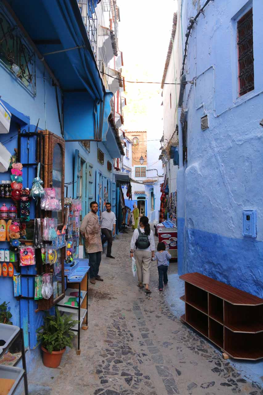Julie and Tahia meandering about the alleyways of Chefchaouen