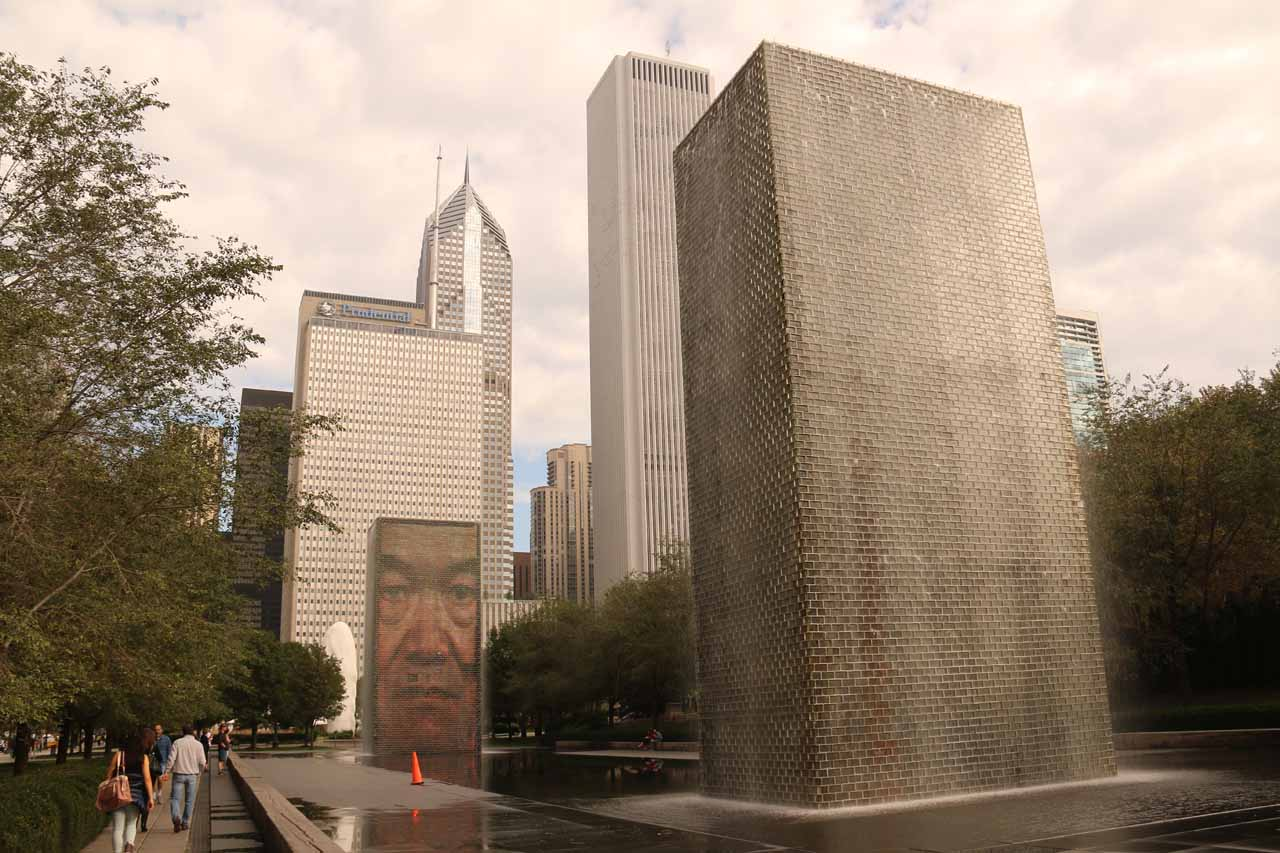 A pair of artsy fountains within Millenium Park