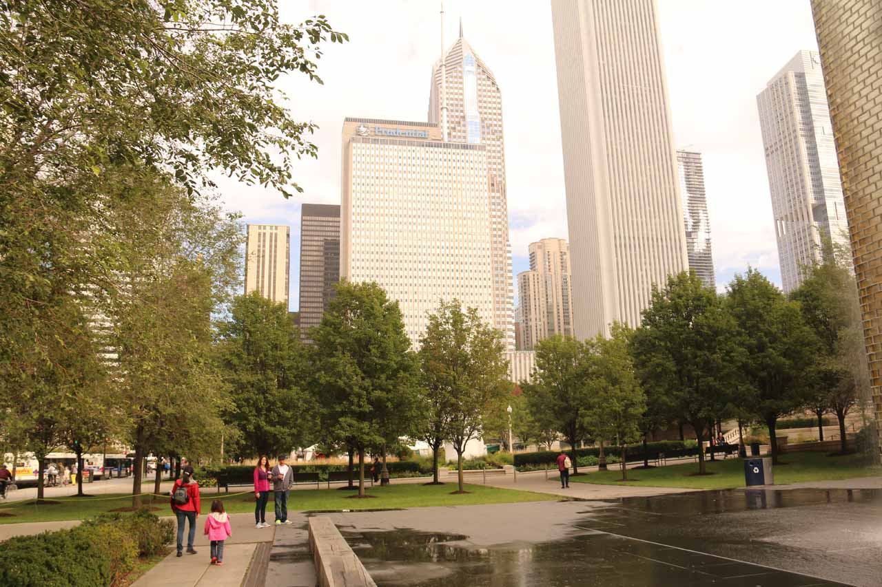 Julie and Tahia going past the fountains and towards the bean in Millenium Park