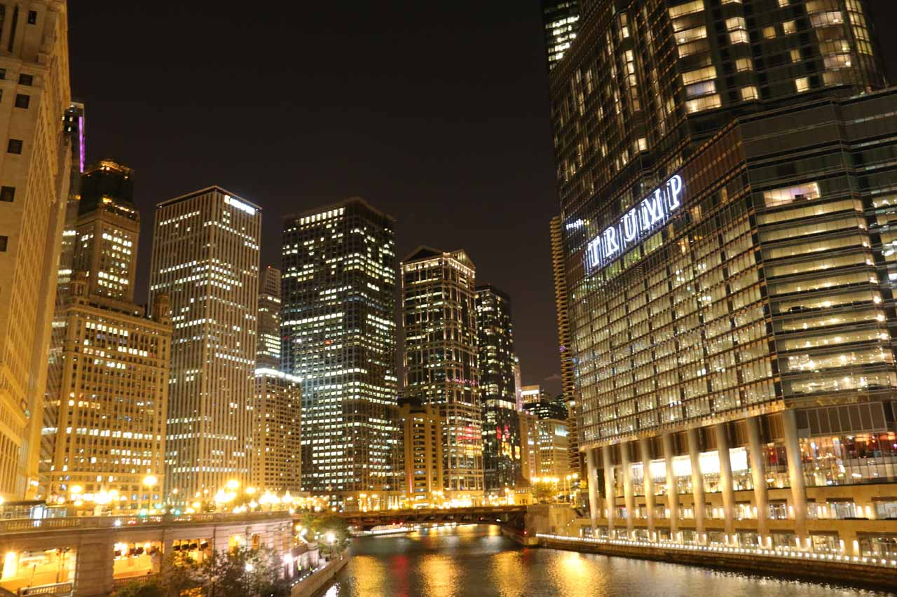 Night time at the Chicago River and skyscrapers by the Trump Tower