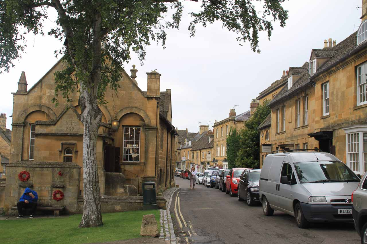 One of the smaller side streets paralleling High Street in Chipping Campden