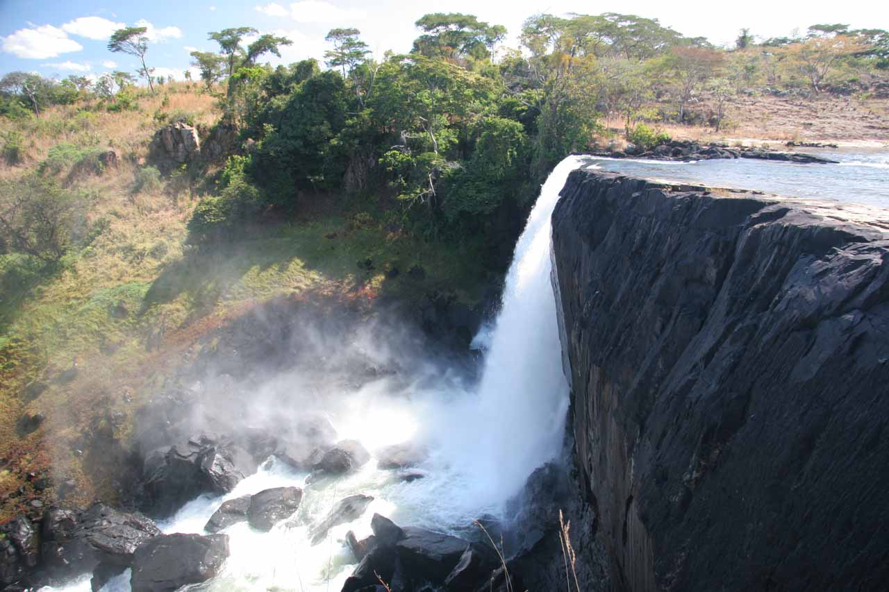 Profile view of the main falls