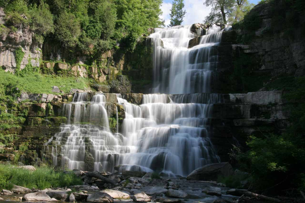 Nearby Pratt's Falls to the east was Chittenango Falls