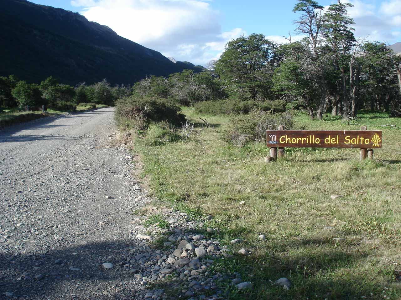 Continuing on the unpaved road towards Chorrillo del Salto