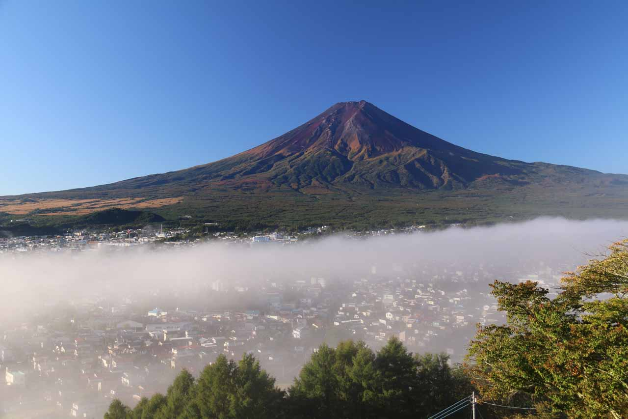 Further to the north of the Izu Peninsula was the iconic Mt Fuji. We happened to get this view the very next morning after our rainy visit to Joren Falls
