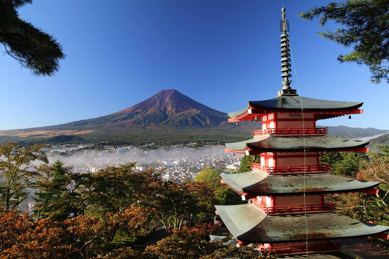 Earlier in the day before visiting the Shoji Falls, we visited the Chureito Pagoda near Kawaguchiko for this classic view of Mt Fuji in gorgeous weather