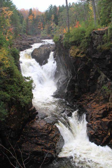 Chutes_Dorwin_035_10072013 - Checking out Chutes Dorwin (Dorwin Falls) from the lower viewing platform