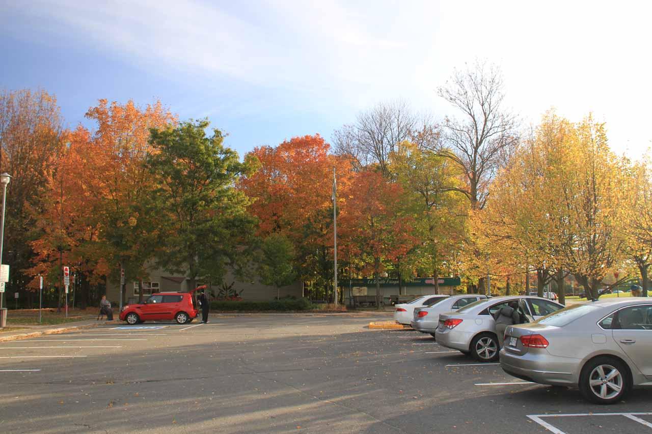 At the car park by Entrance A of the Parc des Chutes-de-la-Chaudiere